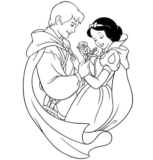 hình ảnh nụ cười e lệ của Bạch Tuyết bên cạnh Hoàng tử