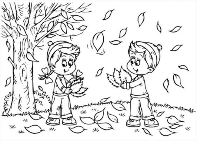 hình ảnh các bạn nhỏ thích thú nghịch những chiếc lá vàng rơi