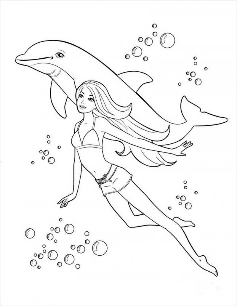 Barbie bơi lội cùng bạn cá