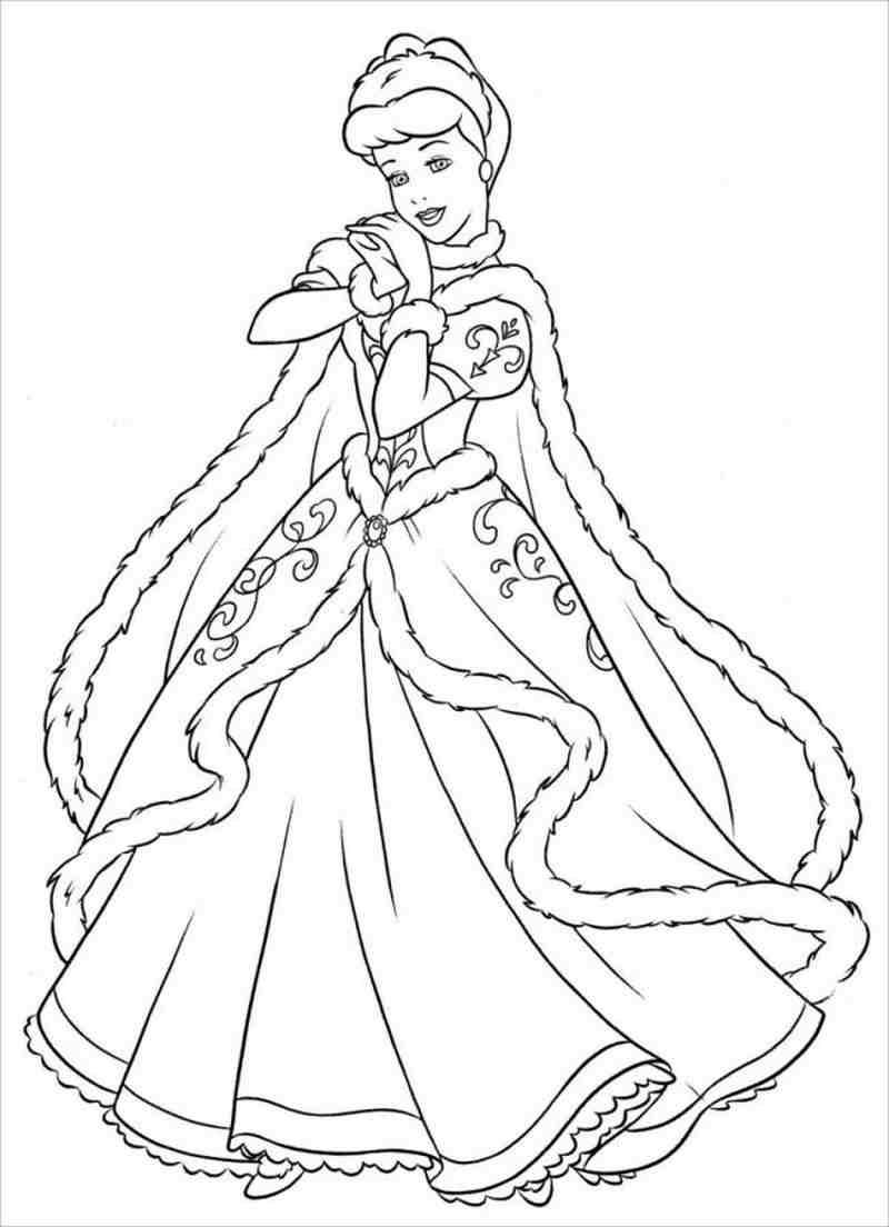hình ảnh công chúa Lọ lem diện áo choàng