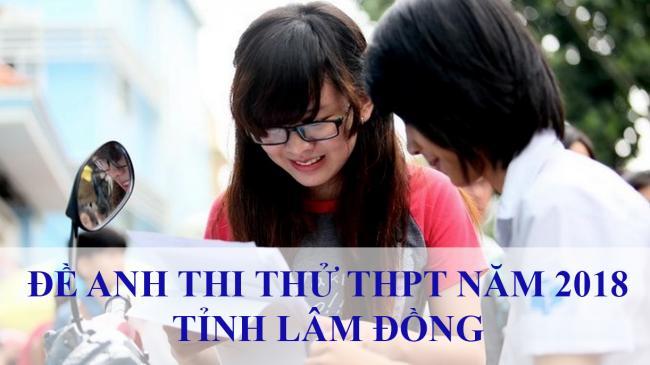 học sinh làm đề thi thử môn tiếng anh THPT tỉnh Lâm Đồng