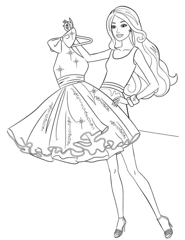 Barbie thử váy