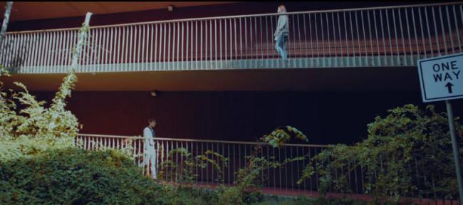 hình ảnh trong MV 8