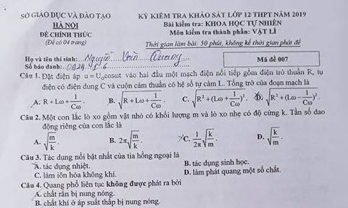 Đề thi Lí khảo sát 12 Hà Nội mã đề 007 có đáp án
