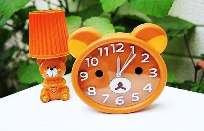 Tả cái đồng hồ báo thức lớp 4