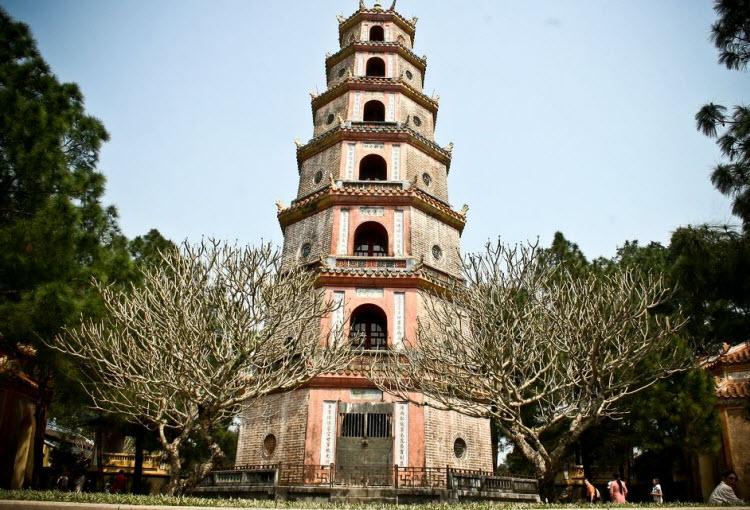 Bài văn thuyết minh về danh lam thắng cảnh Huế: chùa Thiên Mụ